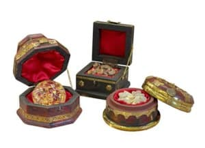 Three Kings Gifts Christmas Gold, Frankincense and Myrrh Deluxe Box, Set of 3 $49.95Three Kings Gifts Christmas Gold, Frankincense and Myrrh Deluxe Box, Set of 3 $49.95